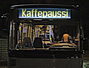 Finnischer Linienbus mit <em>Kaffepaussi</em>