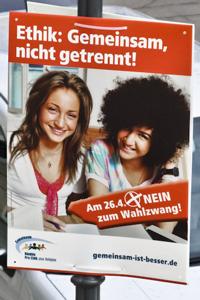 """Plakat der Pro-Ethik-Kampagne: """"Gemeinsam, nicht getrennt! Nein zum Wahlzwang."""""""